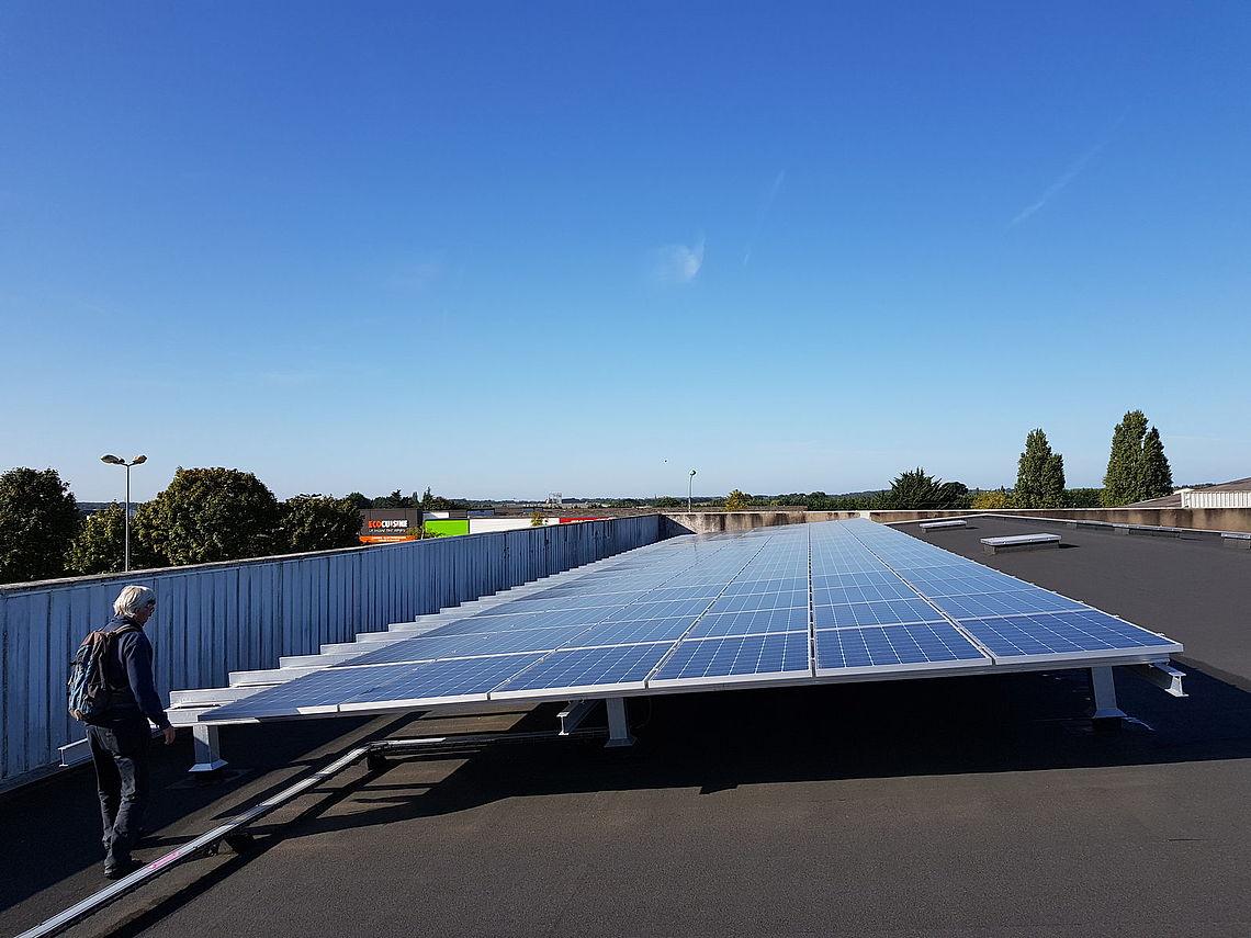 Les panneaux citoyens sur le toit de la Biocoop à Lorient