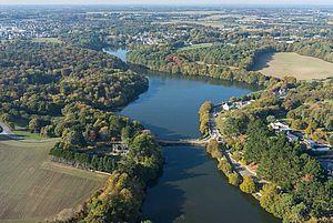 Vue aérienne de l'étang du Ter - photo : Fly pour Lorient Agglo
