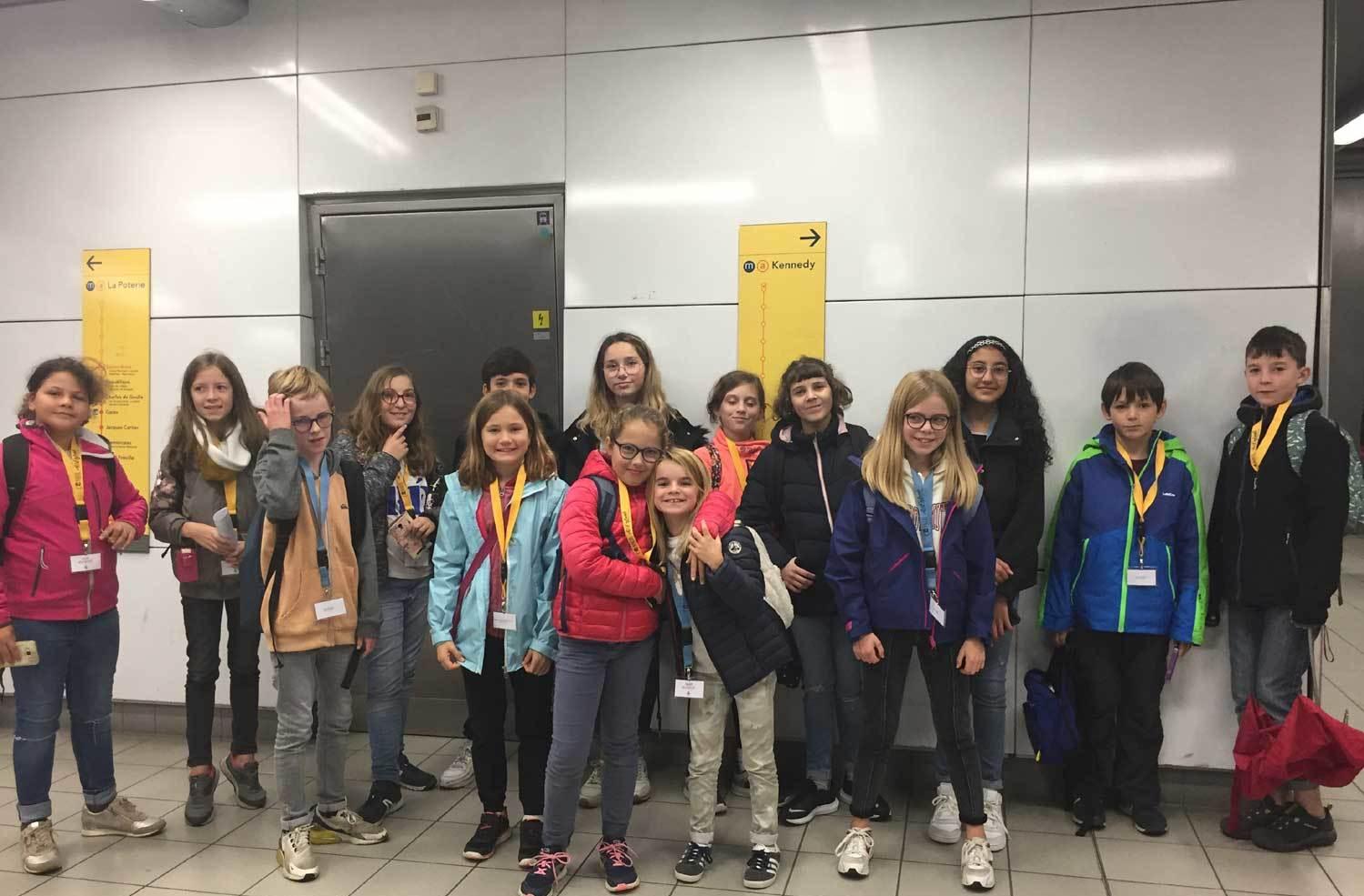 Le groupe dans le métro rennais