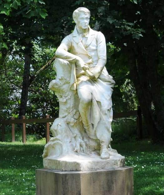 Statue de Brizeux au jardin Chevassu - circuit 5