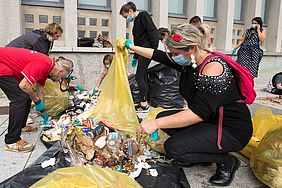 World Clean up day - image Stéphane Cuisset