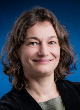 Laure DECHAVANNE, chargée des mobilités, de la voirie, de l'espace public, des espaces verts, de la reconquête végétale  et de la politique numérique