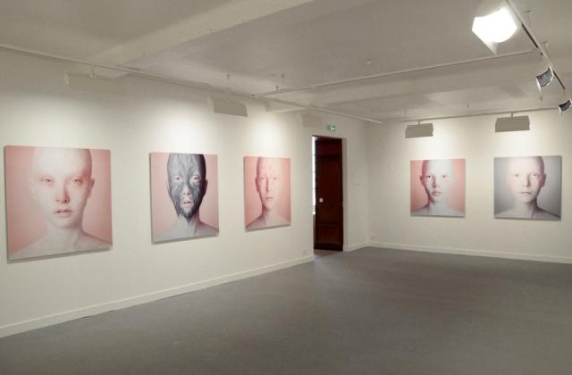 Vue de l'exposition d'Oleg Dou