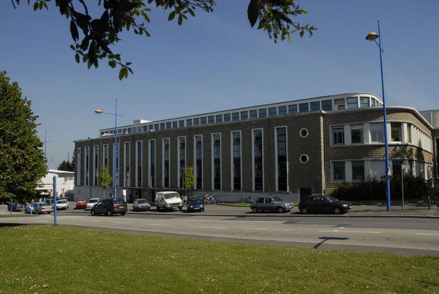 Façade de l'EESAB à Lorient