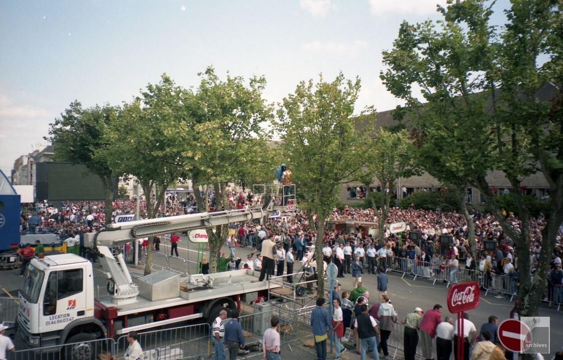 Le Tour arrive à Merville en 1998