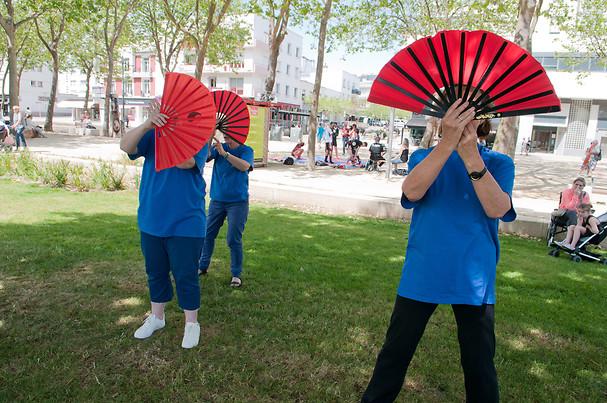 Démonstration de taï-chi avec les éventails