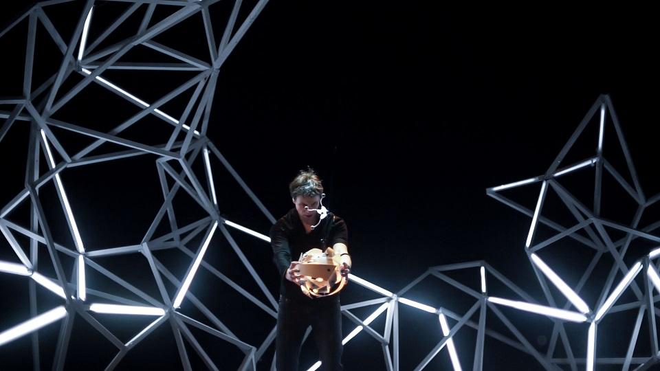 Vis Insita - Une performance musicale, visuelle et cinétique de Nicolas Bazoge portée par l'association EGZOA