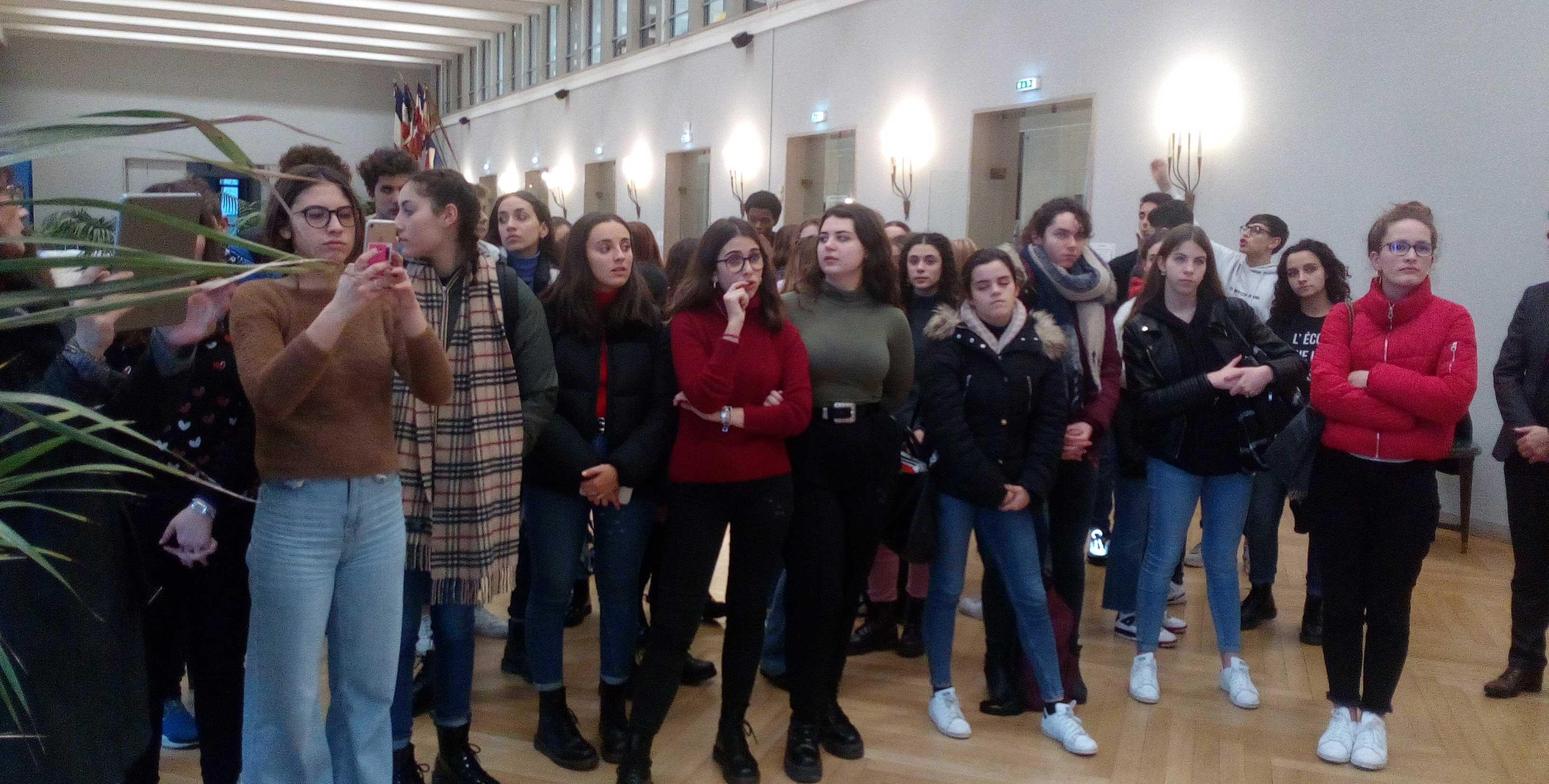 L'accueil des jeunes siciliens en mairie