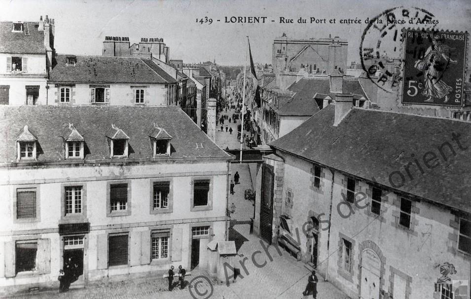 rue du Port depuis l'arsenal