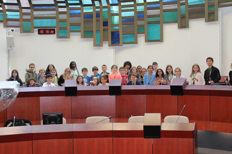 Les jeunes élus participant au voyage à Rennes