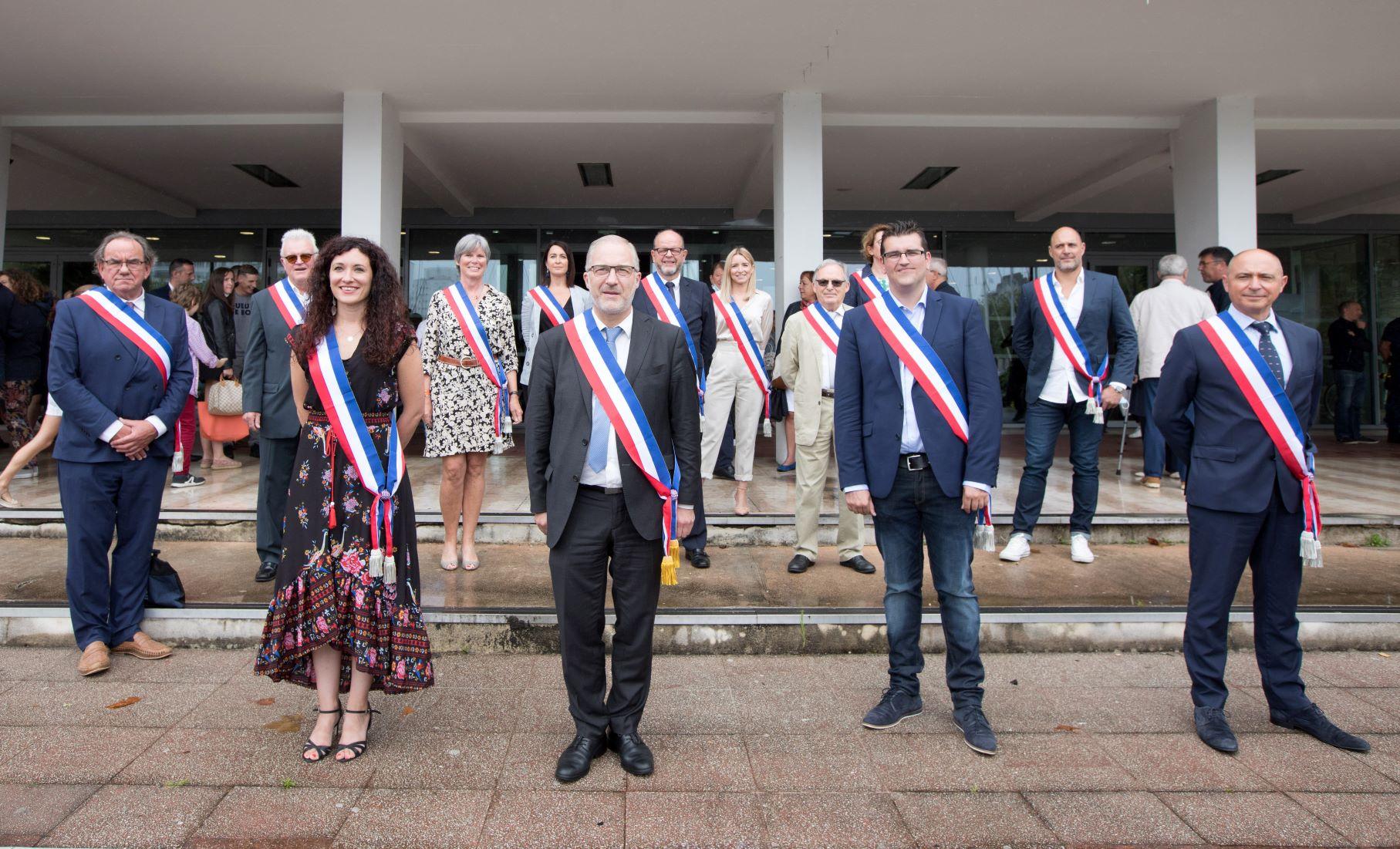 Le maire et ses treize adjointes et adjoints  - photo : Stéphane Cuisset